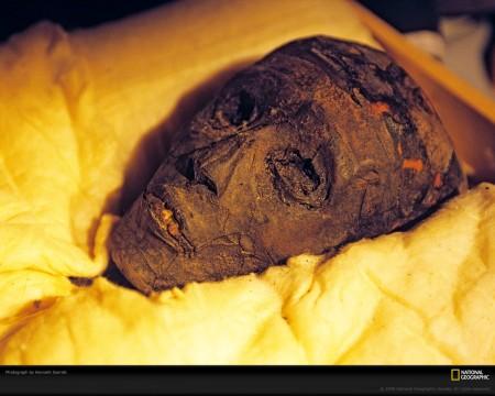 king-tut-mummy-1068400-xl