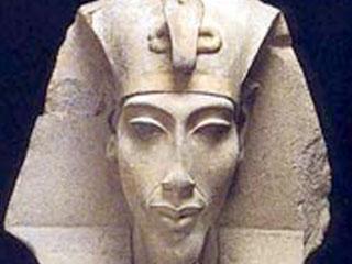 Pharaoh-Akhenaten