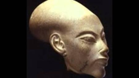 statue of tut