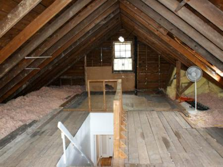 DRMR112_Attic-before_s4x3.jpg.rend.hgtvcom.616.462