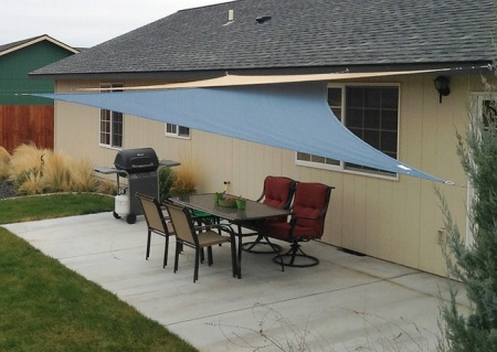 patio with shade canopy