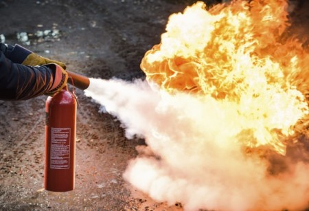 1115.6-How-to-Use-a-Fire-Extinguisher-624x427