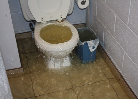 overflowing toilet water